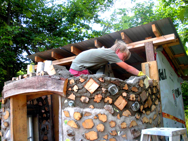 Cordwood Construction (and some straw bale too) - Rena